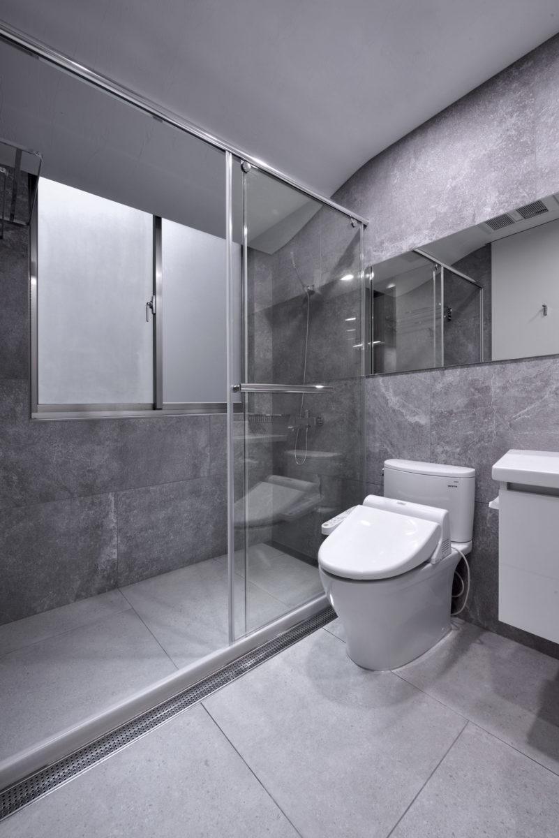 客廁淋浴,曲面天花
