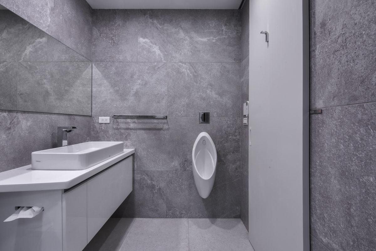 客廁,簡單清爽大方