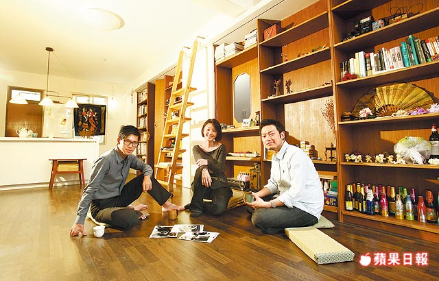 客廳木地板採漂浮式工法