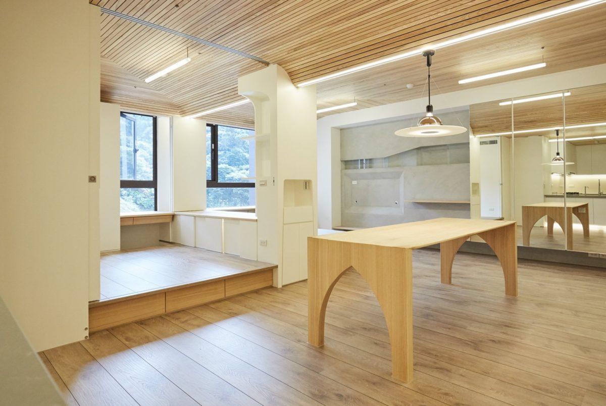 客廳餐廳小孩房,彈性格件,全開,漂浮感的線性照明設計,訂製餐桌,呼應曲面格柵天花