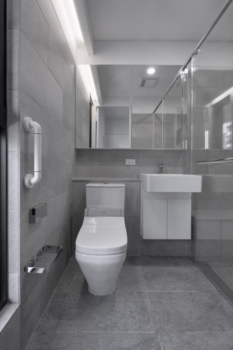 主臥廁所 無障礙考量,收納也不能隨便