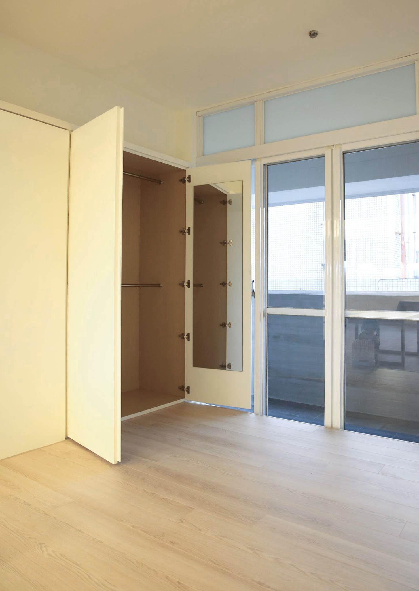 小小和室也有很大的儲藏空間噢~ 牆板後是衣櫥