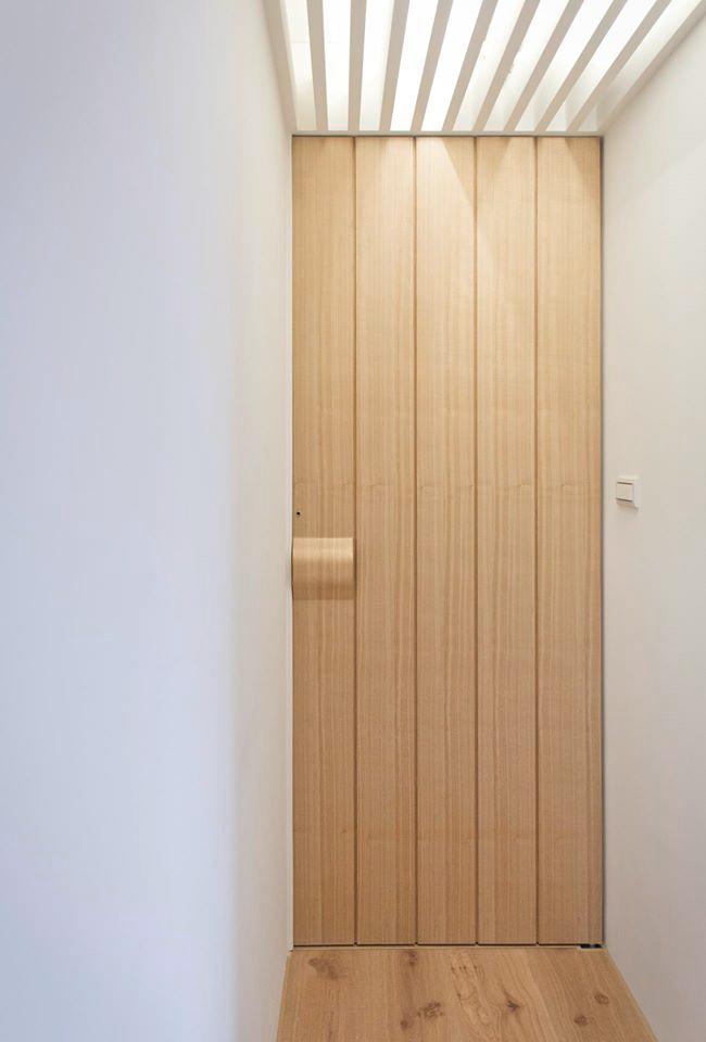 走廊的盡頭則是主臥房