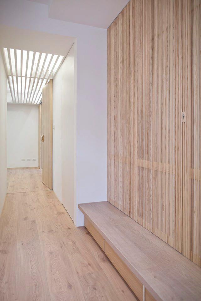 即便關上格柵門,前緣的平台也能讓走廊空間更加的寬敞而不壓迫