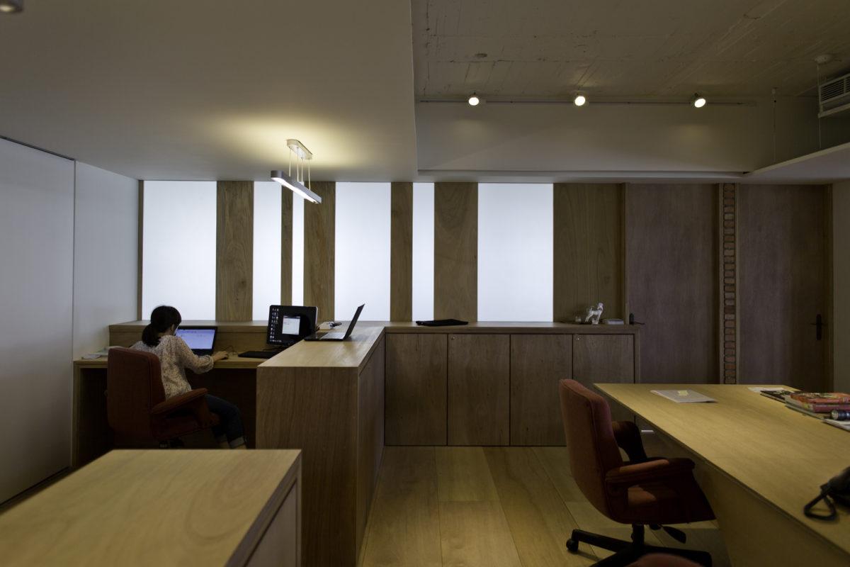 董事長辦公室隔屏,透光也保留了必要的隱私