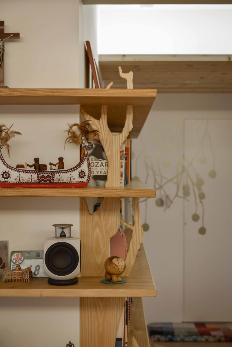 這十一片立板都是我自己的木雕小創作!